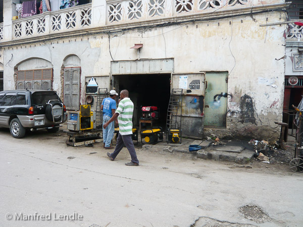 Tanzania_2009-1070262.jpg