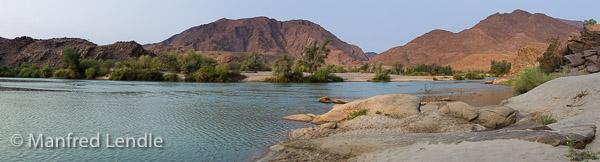 2015_Namibia_1D-3337-Pano.jpg