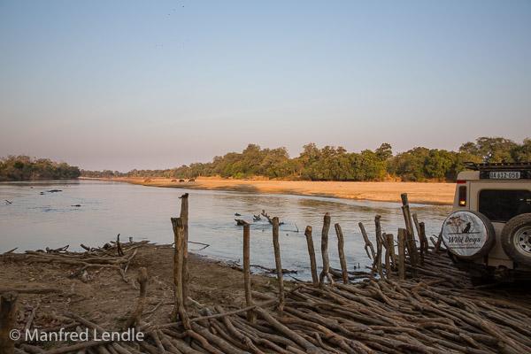 2019_Zambia_5D-1857.jpg