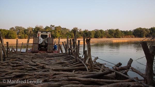 2019_Zambia_5D-1864.jpg