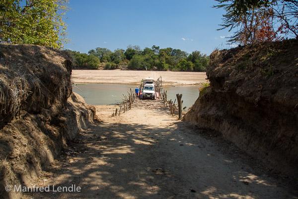 2019_Zambia_5D-2302.jpg