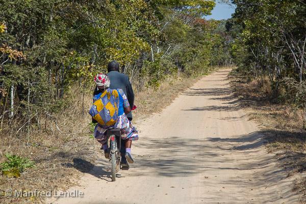 2019_Zambia_1D-2237.jpg