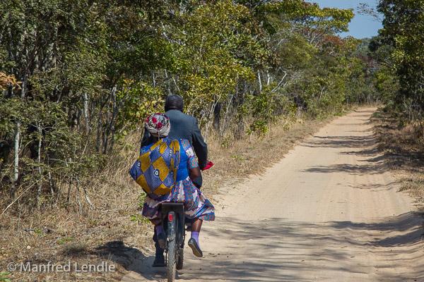 2019_Zambia_1D-2238.jpg